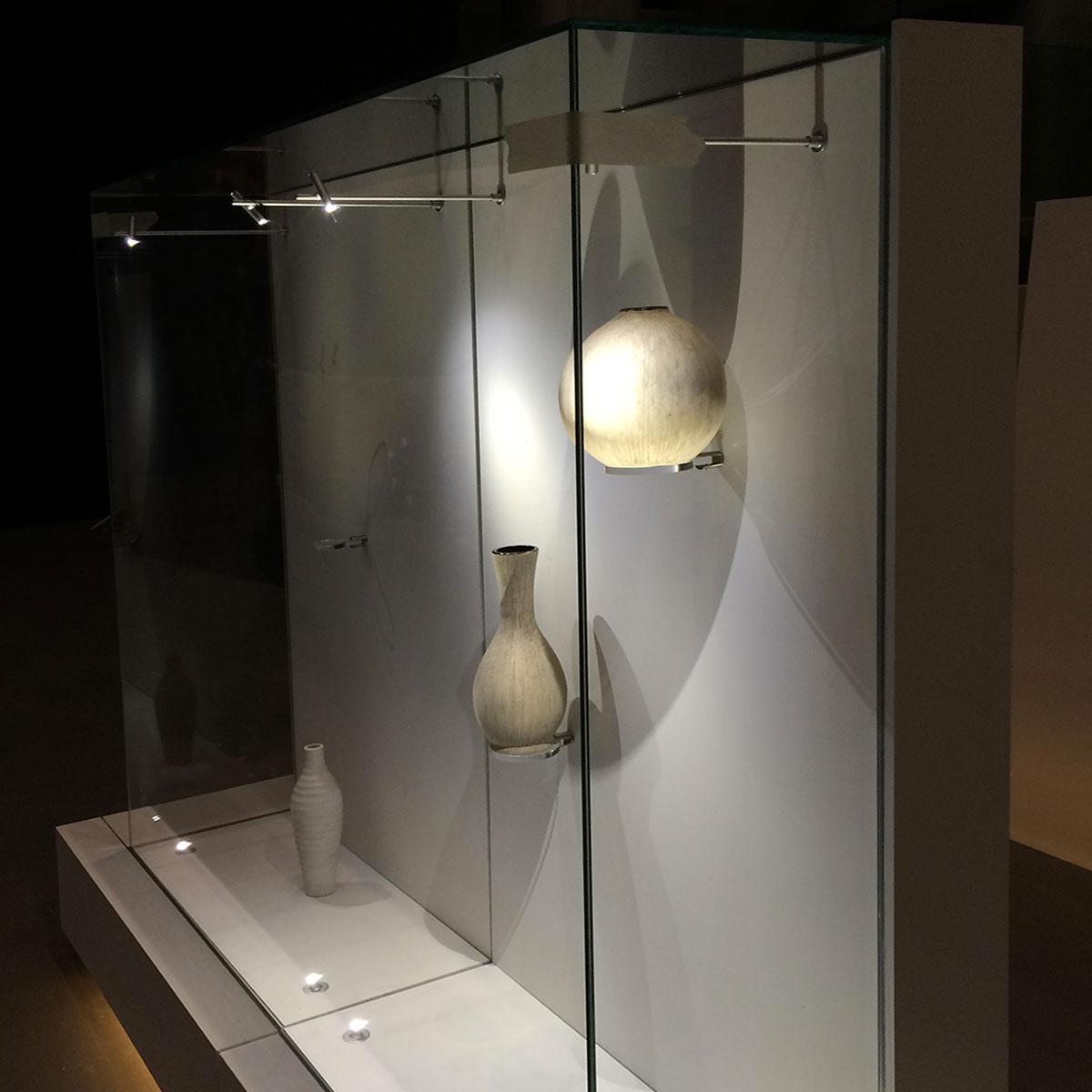 Arredamento in cristallo vetreria cassinelli for Vetrine in cristallo arredamento